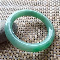 老种甜绿色翡翠圆条手镯